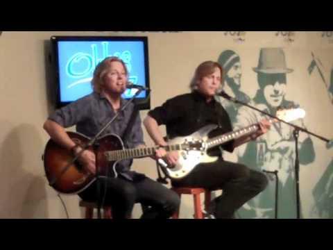 Matthew & Gunnar Nelson perform