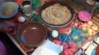 видео Закусочный бисквитный грибной торт