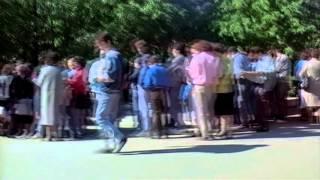 Скачать Очередь в Макдональдс в 1990 г
