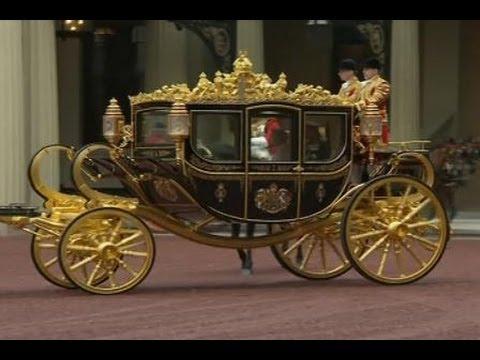 Ratu Inggris Mencoba Kereta Kuda Diamond Jubilee Baru