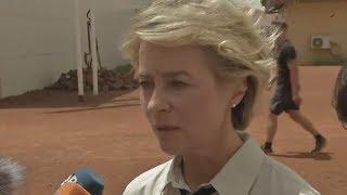 Von der Leyen nimmt Abschied von toten Soldaten in Mali