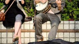 「この街で」(2006年) 作詞:新井満 作曲:新井満・三宮麻由子 カラ友...
