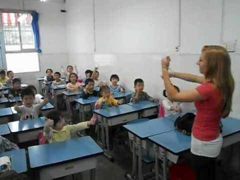 Teach English in China: singing Primary school students