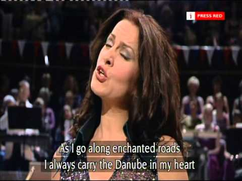 Angela Gheorghiu - Habanera from Carmen @ The  Albert Hall (2003)
