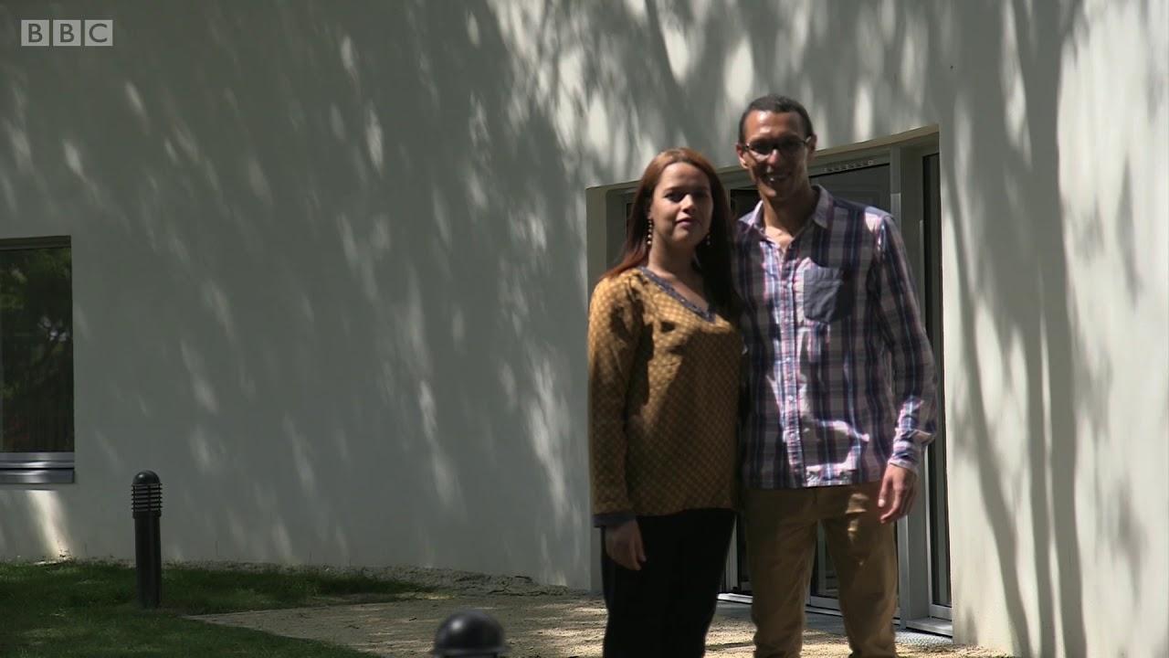 أول عائلة في العالم تعيش في منزل ثلاثي الأبعاد