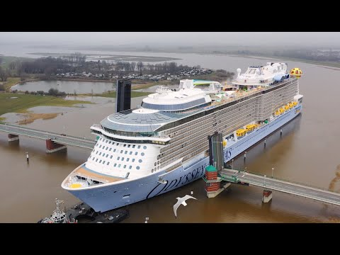 Odyssey of the Seas heads for open ocean