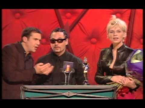 Belle & Sebastian win British Newcomer presented by Huey Morgan & Zoe Ball | BRIT Awards 1999