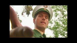 Halbstarker Polizist - Ladykracher