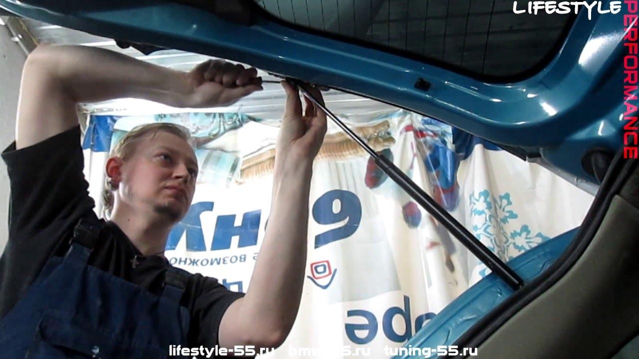 замена откидных стоек крышки багажника опель мерива