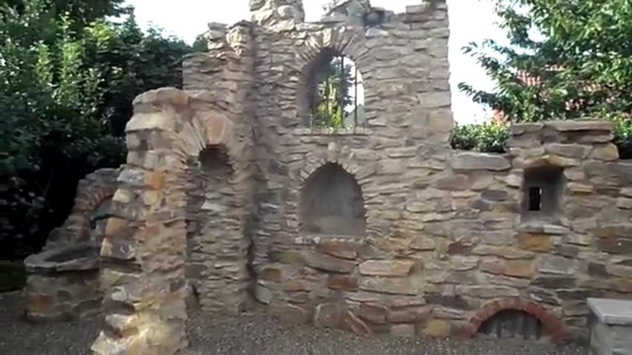 A gardenwall like a ruin - YouTube