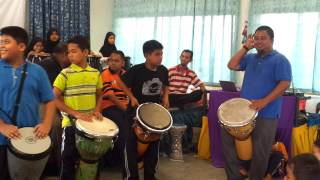 Hari Guru SRANI 2013-assemble percussion