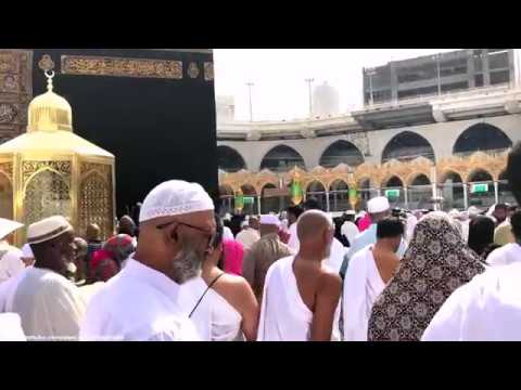 HE IS DOING TAWAF AROUND THE KABAA, Makkah Saudi Arabia – TRAVEL VLOG !