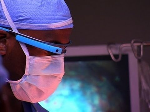 CNET News - Surgeon Uses Google Glass To Get Critical Data