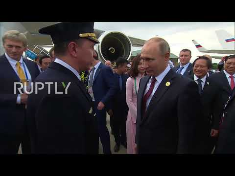 Vietnam: Putin bids farewell after APEC 2017 summit