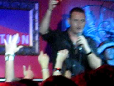 Will mellor singing play that funky music white boy