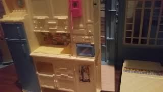 showing you my new barbie house