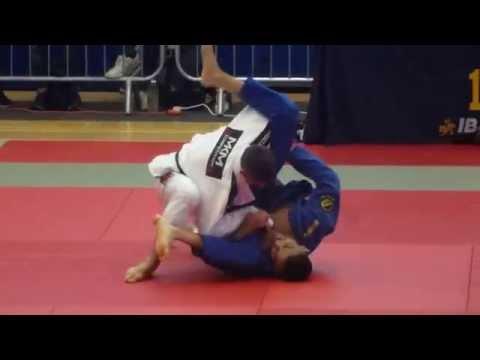 Anthony Chahal vs Richard Flood  IBJJF London Open 2015  Black Master 2  Light