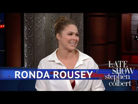 Ronda Rousey Is Way Too Relaxed Around Sharks