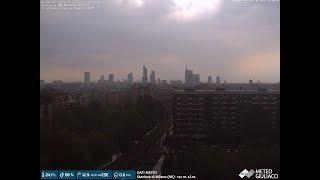 Milano accerchiata da temporali nelle sera di mercoledì 3 luglio