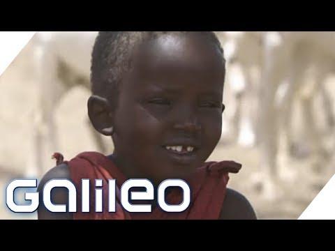 Unterschiedliche Traditionen: Kinderzimmer in Tansania und England - Teil 1 | Galileo | ProSieben