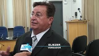 Eliezer relata sua insatisfação com a poda de árvores na praça da rodoviária
