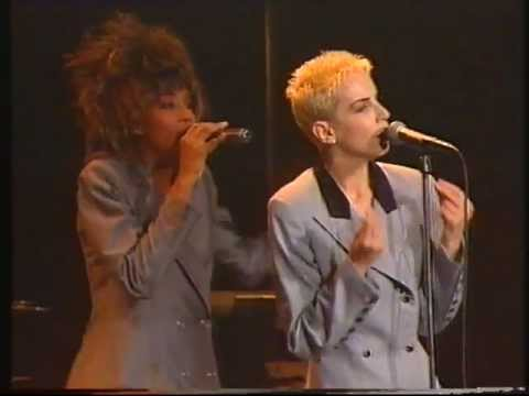 Eurythmics -  Live In Rome 1989