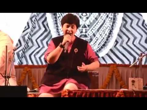 Falguni Pathak | Krishna Bhajan | One of The Favorite | Gujarati Bhajan