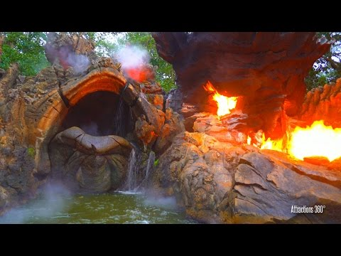 [4K] Hong Kong Disneyland Jungle Cruise ride with Awesome Finale  2016