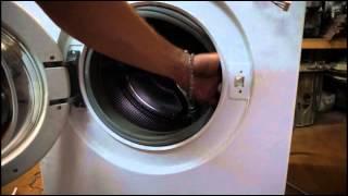 Как снять УБЛ (замок) стиральной машины Бош. Видео №21(Как снять УБЛ (замок) стиральной машины Бош. Из цикла самостоятельный ремонт стиральных машин. Группа http://vk...., 2015-02-20T10:15:13.000Z)