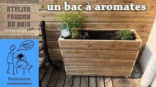UN BAC EN BOIS POUR AROMATES/PLANTATIONS/FLEURS