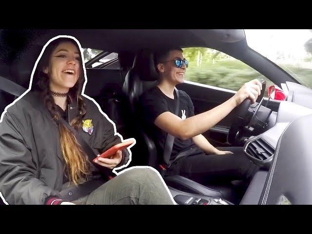 Haciendo de TAXI con un Ferrari por la Ciudad.