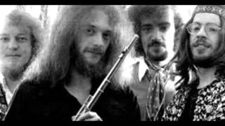 Jethro Tull - Heavy Water   (lyrics)