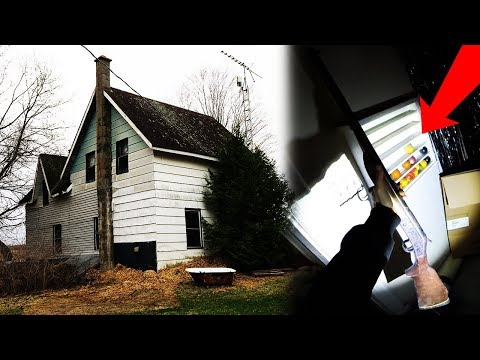 EXPLORING HAUNTED FARM HOUSE! (FOUND GUN) SNEAKING INTO ABANDONED HAUNTED HOUSE! LEFT BEHIND!