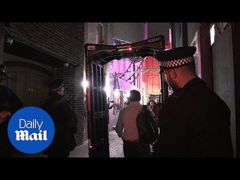 Metropolitan police set-up 'knife arch' operation in central London