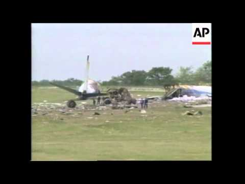 ARGENTINA: 2 KILLED AND 6 INJURED IN AIR FORCE CARGO PLANE CRASH