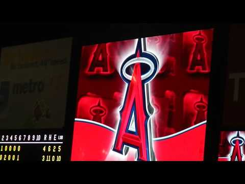 The Rally Monkey's First Appearance in 2013 on Opening Day at Angel Stadium - Gangnam Style!