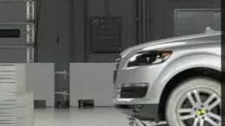 Crash Test 2007 - 2012 Audi Q7 (Frontal Impact) IIHS