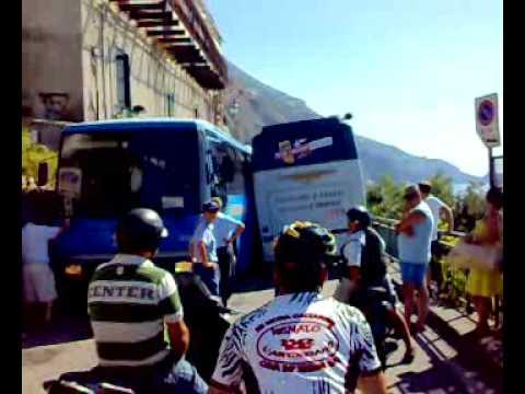 In Costiera anche i bus si bloccano