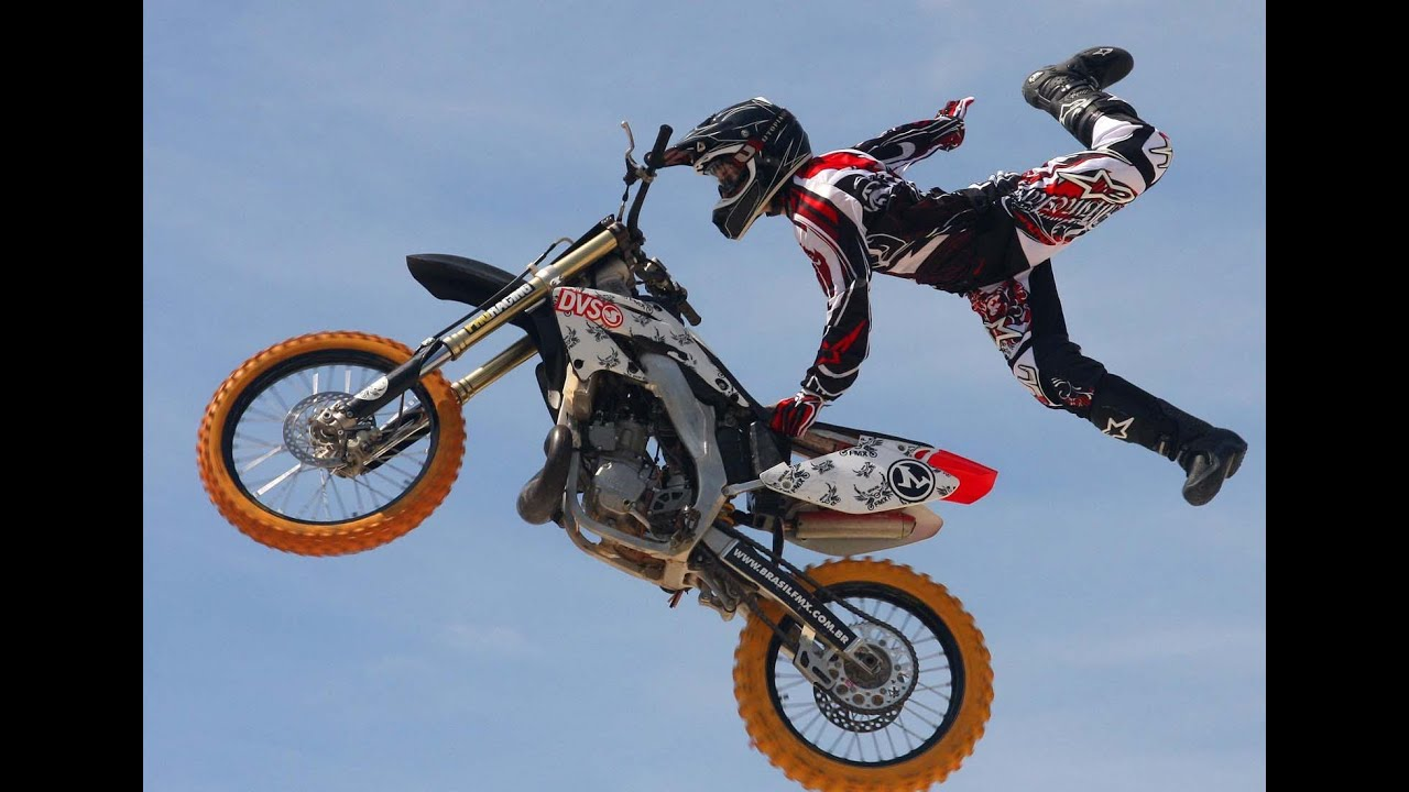 extreme jumps race vol 3 motorcycle race event eicma 2013 youtube. Black Bedroom Furniture Sets. Home Design Ideas