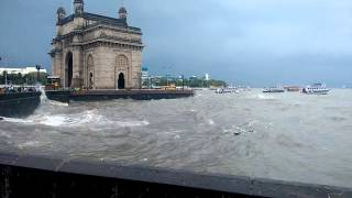 Day at Gateway of India