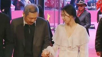 홍상수·김민희, 공식 석상에서 보이는 다정한 모습 @본격연예 한밤 12회 20170221