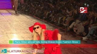 Paris Hilton almost falls during Dosso Dossi Fashion Show | Antalya, Turkey