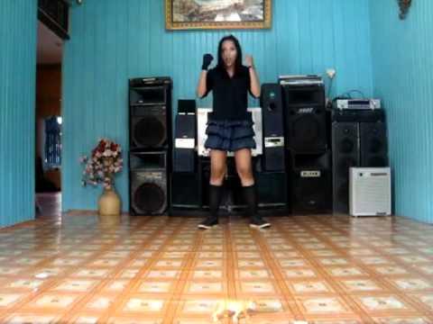 JKT 48 River dance cover by delians)