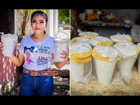 Quinceañera regala comida de su fiesta a los más necesitados
