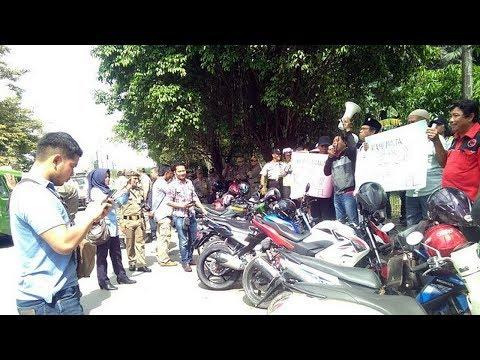 Warga Demo saat Groundbreaking Hotel di Samping Islamic Centre Samarinda