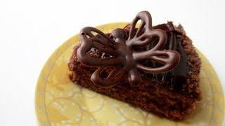 Легкий способ оформить десерт. Бабочка из шоколада.
