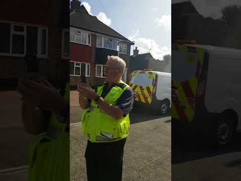 Civil enforcement officer calls armed police!