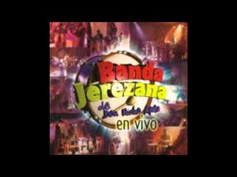 Banda Jerezana-Seis pies abajo,Paloma negra [En vivo]