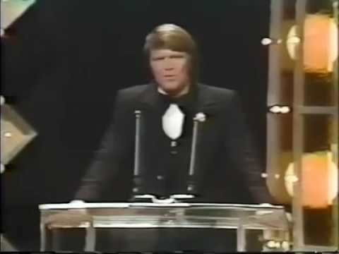 Waylon Jennings CMA 1975