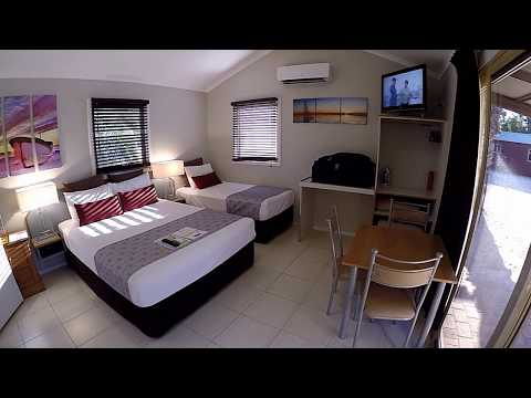 On the Road with John. Monkey Mia Dolphin Resort Review